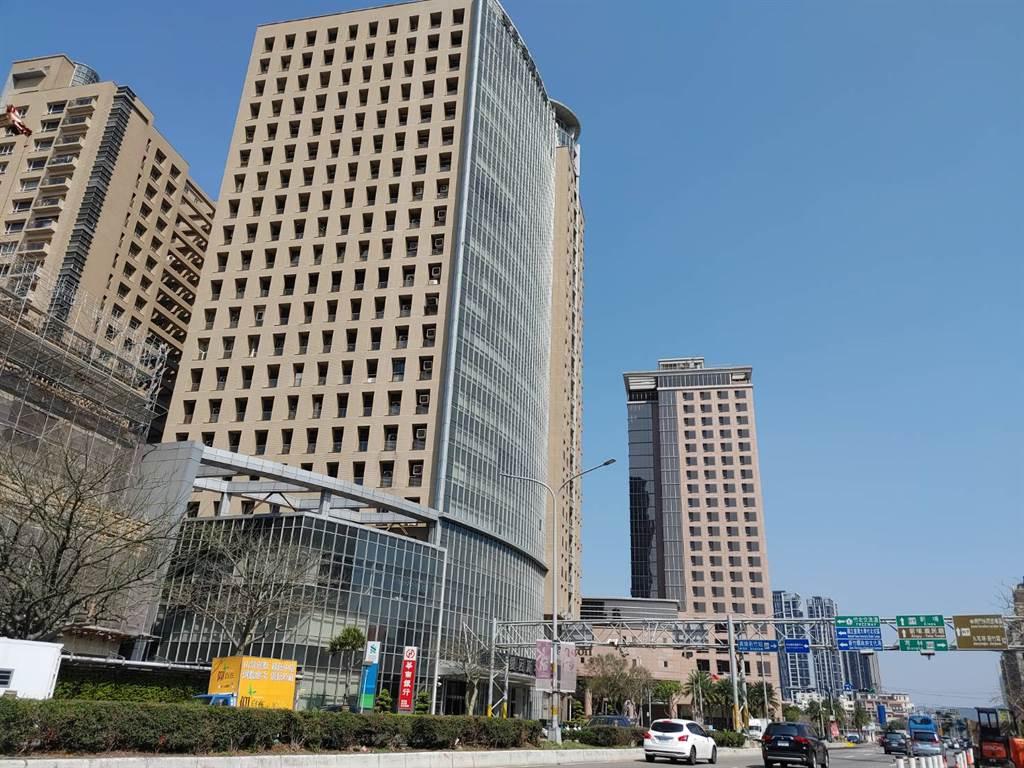 竹北「豐邑E&B愛因斯坦」商辦大樓出現一筆1、2樓店面交易。(台灣房屋提供)