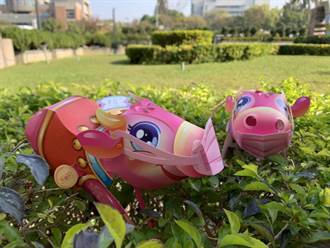 中市小提燈粉紅牛卡哇伊 盧秀燕:開放上網列印DIY