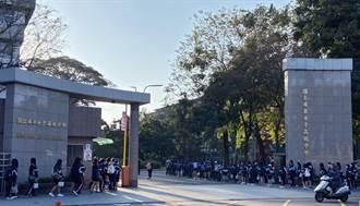 屏東女中開學首日 學生排隊量體溫防疫滴水不漏