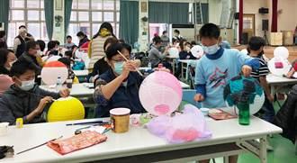 大小朋友畫燈籠  市議員陳文政致力中華文化推廣