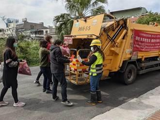 桃清潔隊過年共收16萬紅包 全數捐贈社會救助金