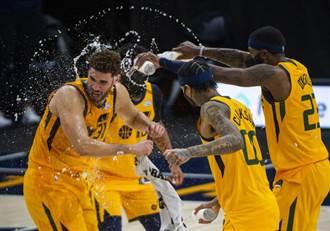 NBA》狂飆28顆三分球創紀錄 爵士血洗黃蜂22分