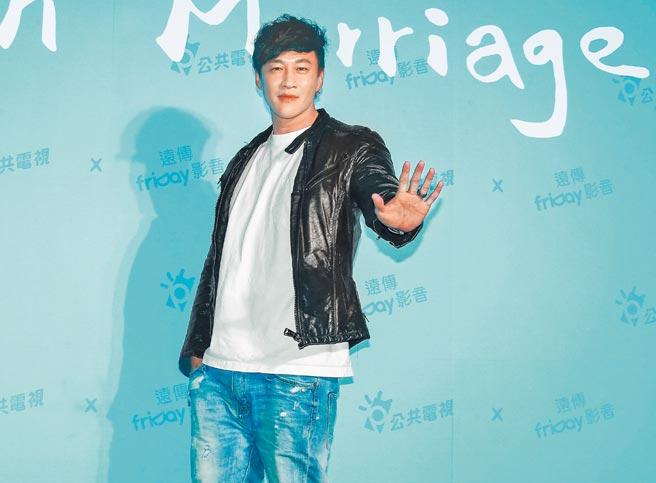 何潤東昨以導演身分出席公視《你的婚姻不是你的婚姻》劇集記者會。(粘耿豪攝)
