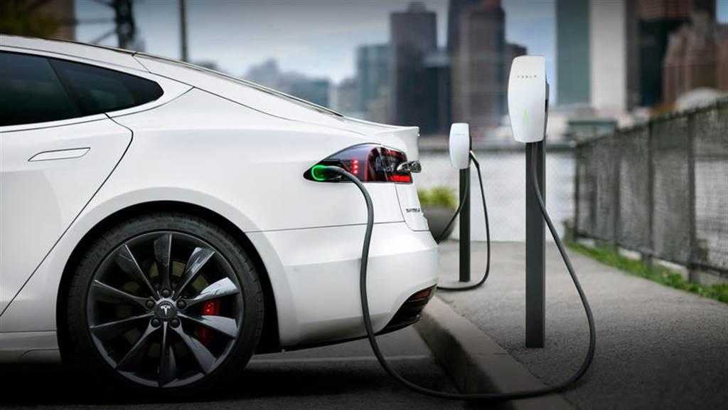 特斯拉第三代家用充電座新增「存取限制」功能,未來有收費機制與電力共享