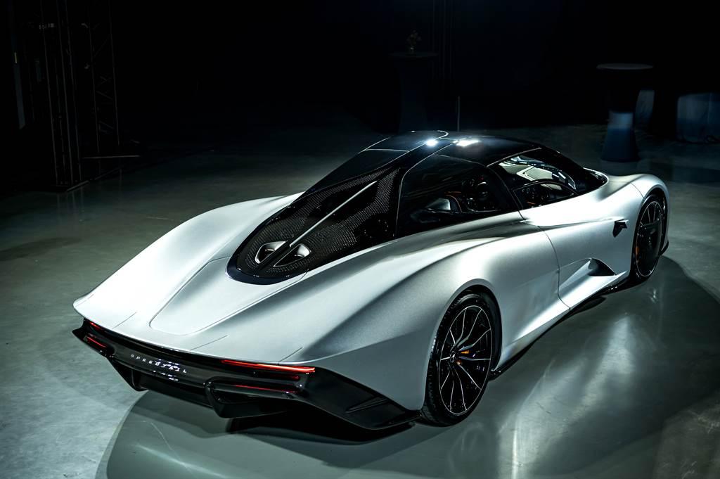 國內車主大方出借新車要價1.5億的McLaren限量超跑Speedtail,為McLaren繼經典的F1後第二部採用三座佈局的車款。