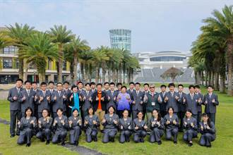 普台高中林均翰學測75級分 創校10年培育7屆南投狀元