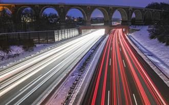 減碳聲浪高 德高速公路早晚將引進速限