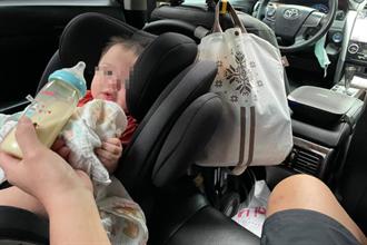 奶爸1打1 兒哭鬧車急停紅線餵奶 警盤查一舉動 網喊:有洋蔥