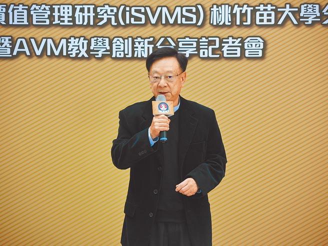 聯華電子榮譽副董事長宣明智看好台灣半導體、生醫的發展前景。(邱立雅攝)