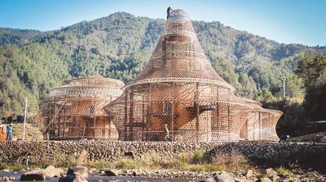 第12屆ArchDaily年度建築大獎揭曉,「隱居龍泉」竹旅舍以燈罩為設計靈感並展現竹工藝。(取自ArchDaily)