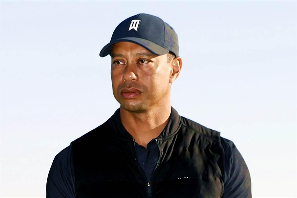 高爾夫球名將老虎伍茲(Tiger Woods)23日在洛杉磯發生嚴重車禍後幸運生還,警方表示伍茲能生還完全是「奇蹟」,事後卻不記得撞車,另專家研判,伍茲很可能差點要被截肢。(資料照/美聯社)