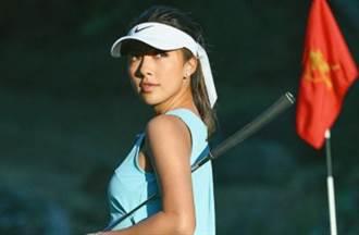 21岁高尔夫女神自拍秀腿根 傲人ㄦ字腰成亮点