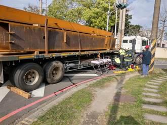 疑视线死角 6旬妇代步车过马路遭撞送医不治身亡