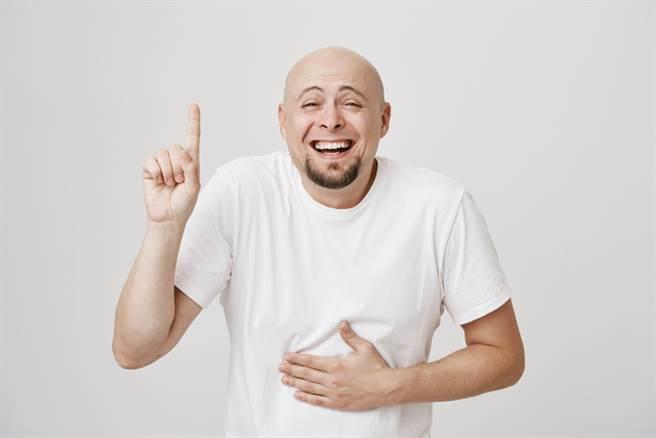 笑到腿軟 真的有可能嗎?(示意圖/達志影像shutterstock提供)
