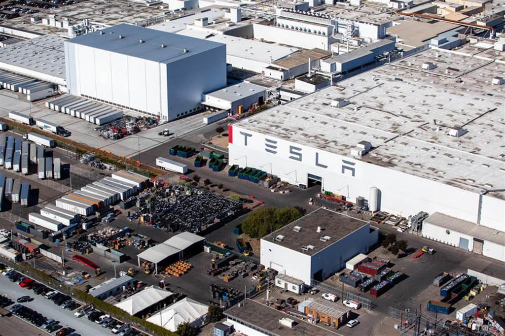 傳言加州工廠 Model 3 產線暫停:不是升級改版,而是沒晶片可用
