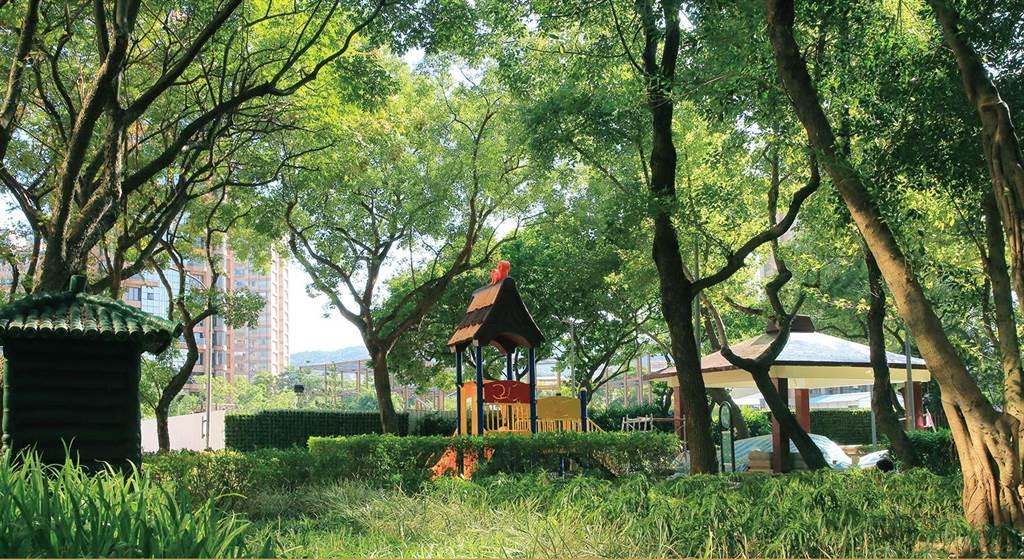 南港純住宅「擎天森林」正臨重陽公園,擁豐富綠地,備受市場矚目。(業者提供)