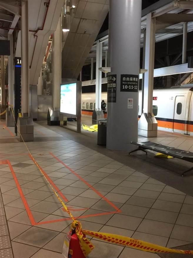 高鐵左營站北上月台25日晚間驚傳疑似爆裂物,經查是虛驚一場。(翻攝照片/林瑞益高雄傳真)