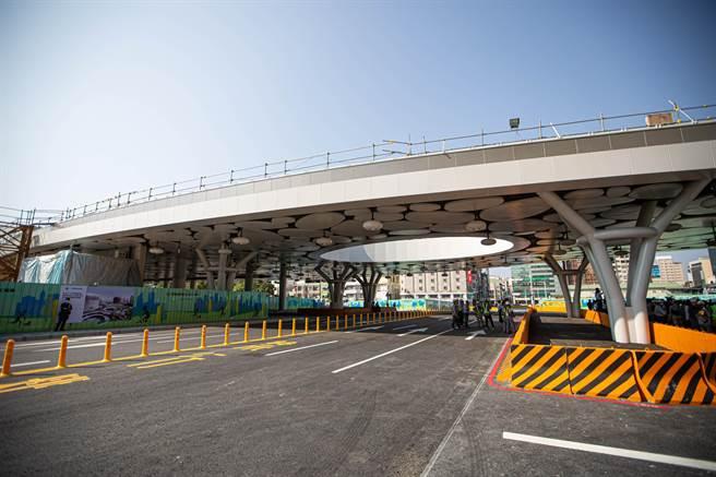 淅川法院审理张某峰等29人涉恶势力案件