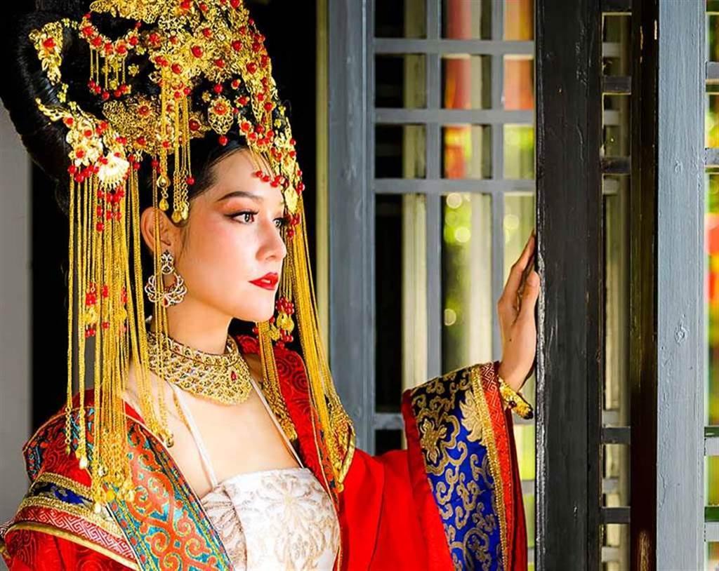 明孝宗朱祐樘從小生活於宮鬥裡,讓他非常厭倦這種日子,因此長大後只娶了張皇后一人。(示意圖/達志影像)
