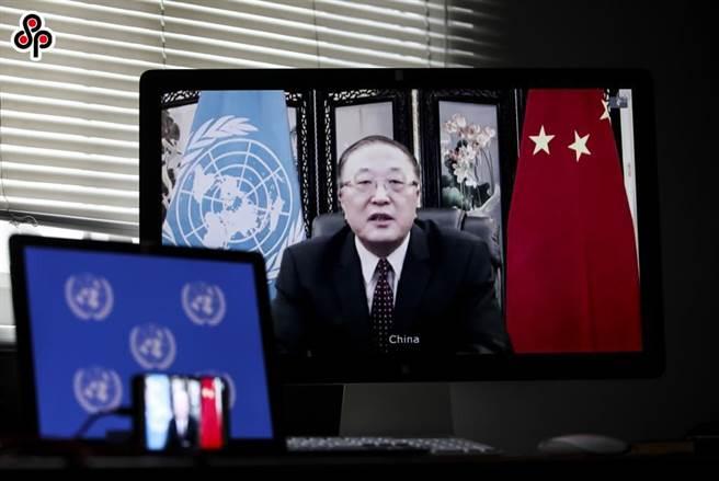 中國常駐聯合國代表張軍說明中方對緬甸問題立場,籲各方冷靜克制,圖為張軍去年9月24日在安理會發言。(新華社)