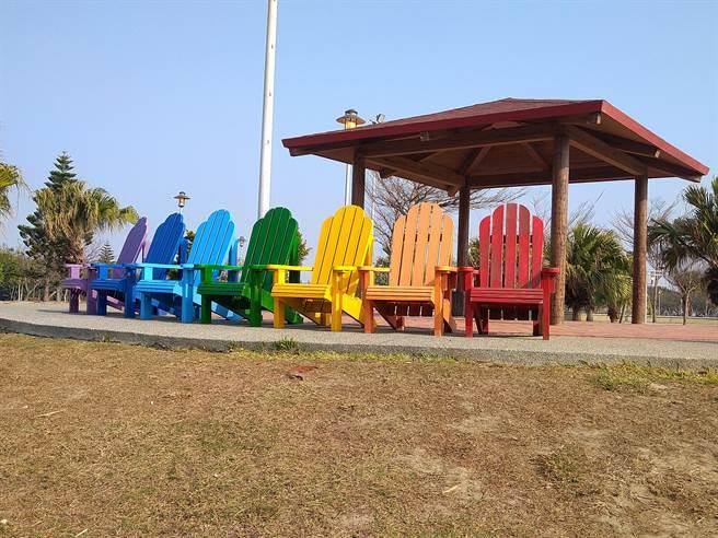 梧棲頂魚寮公園充滿童趣,是228連假親子出遊的好地方。(台中市觀旅局提供/陳淑娥台中傳真)