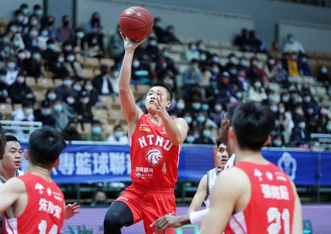 台灣師大主控陳又瑋27日在最後關頭連進兩球。(大專體總提供)