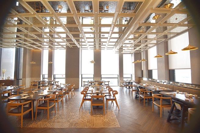 〈京翠港式飲茶〉餐廳有三大用餐區共520個座位,12間包廂。圖/姚舜