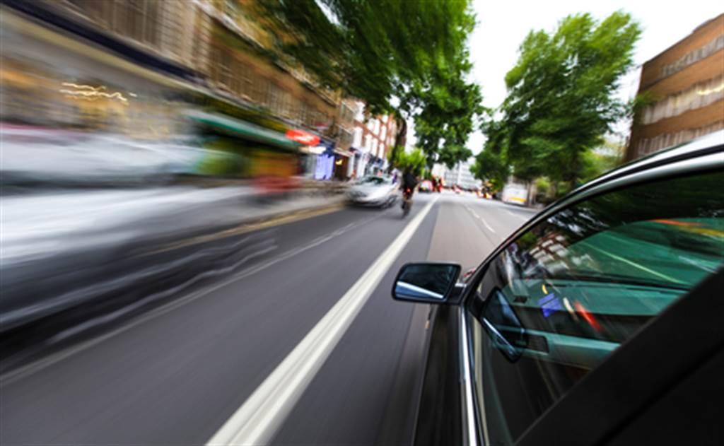 台中到高雄開車僅花1小時 男曝最高時速:以後不敢了(示意圖/達志影像)