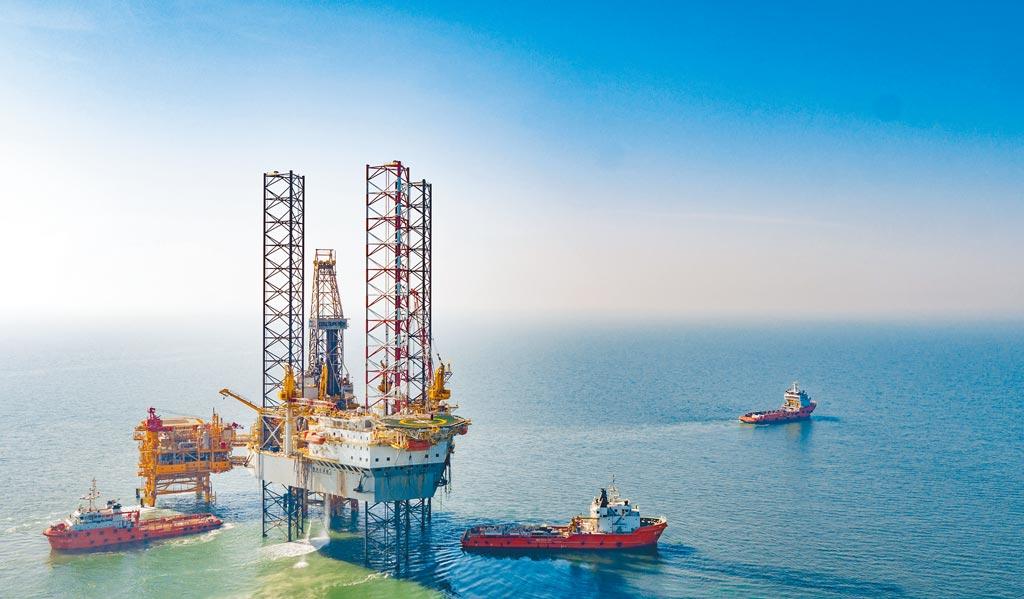 美國紐約證券交易所26日也根據川普簽署的行政命令,正式啟動中國海洋石油公司(簡稱中海油)的摘牌程序。(新華社)