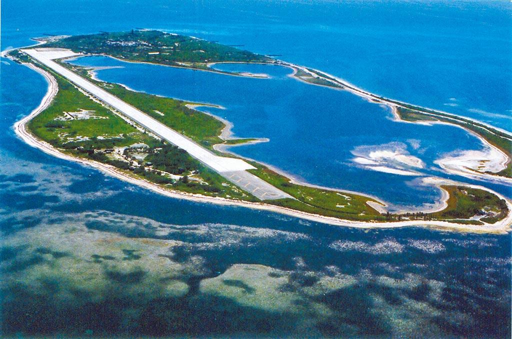 日本防衛省智庫專家門間理良認為東沙群島是南海的另一座火藥庫。(海巡署提供)