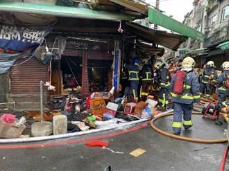 中和华泰市场清晨火灾 住户光脚逃生烫伤14人送医