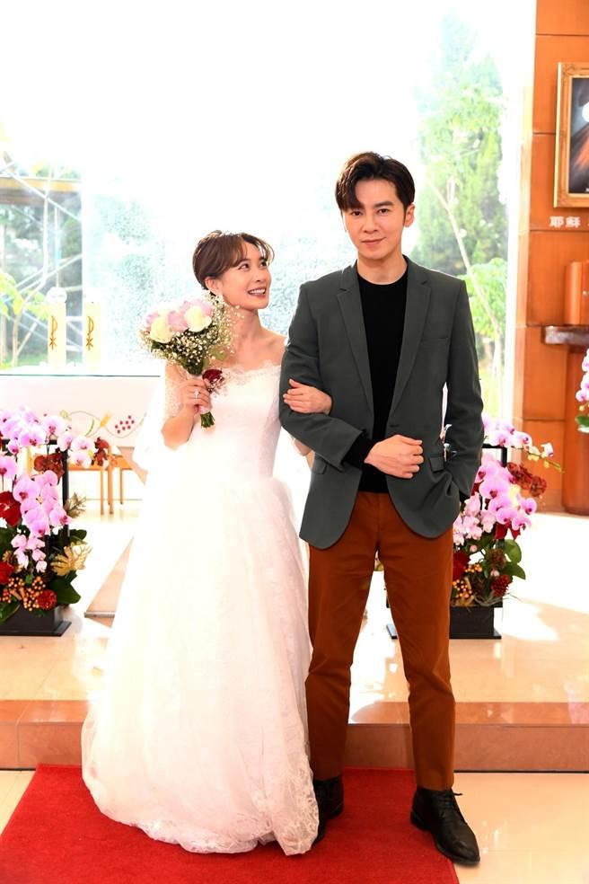 李亦捷《廢財》愛的是李國毅,卻披婚紗嫁紹翔。(三立提供)