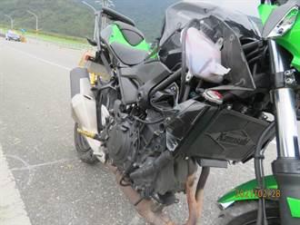 連假騎重機遊花東 22歲男自撞分隔島傷重不治
