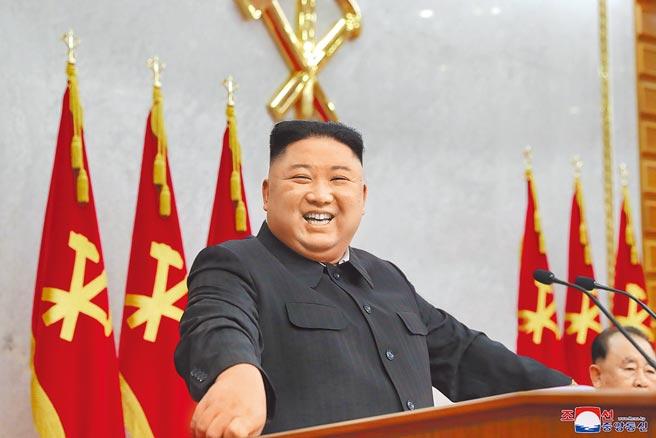 北韓領導人金正恩上台即將邁入第10年,一本歌頌其政績的傳記《偉人與強國時代》,也於不久前出版。(路透)