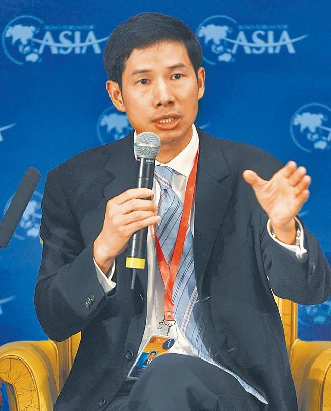 胡祖六為哈佛大學經濟學博士,曾任高盛大中華區主席,現為春華資本董事長。