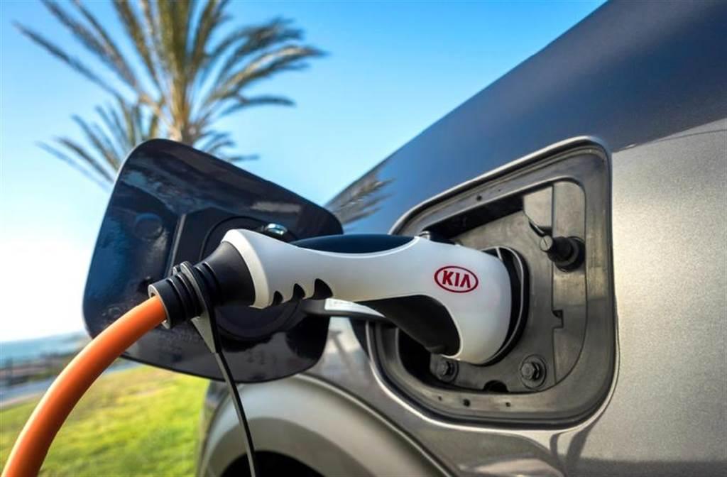 韓國政府攜手車廠與電池商,力求電動車在 2025 年價格下降 25 萬元
