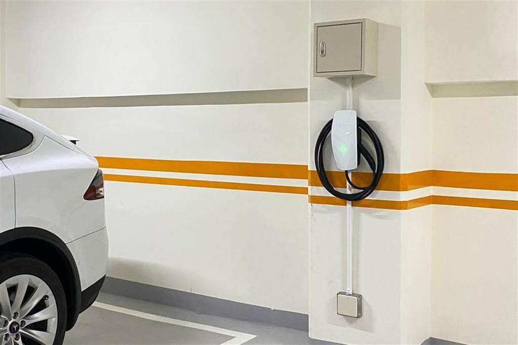 北市府要社區多裝電動車充電設備:最高補助 20 萬元,住戶可申請免費諮詢輔導服務