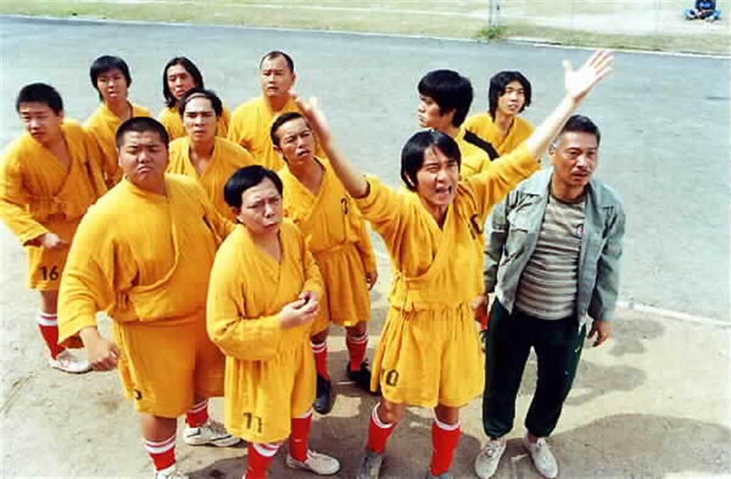 周星馳、黃一飛、吳孟達《少林足球》劇照。(本報系資料照)