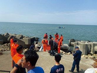 基隆雲林浪襲海釣客 2死2傷