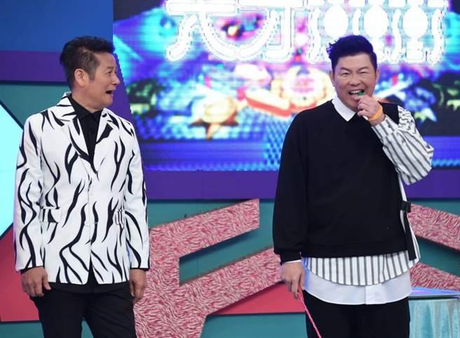 徐乃麟、曾國城2日主持華視《天才衝衝衝》,曾國城先前兩度被雞排妹、廣告導演馮云指控性騷,年前已對外回應2日暫不受訪。(中時提供)