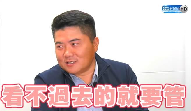 前立委顏寬恒談父親顏清標。(翻攝/Youtube)