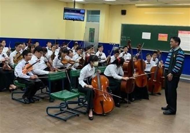 桃園市國中小藝術才能班,2日起受理報名,今年國中小端都有音樂班、美術班、舞蹈班和國樂班,且開放全國優秀學子報考。(蔡依珍攝)