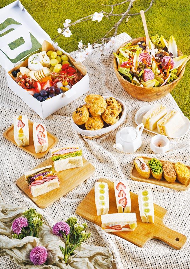 BreezeSuper看準春日野餐風潮,以「花見春遊‧春行樂」為主題,設計多款繽紛野餐組合,搭配櫻花應景商品。(微風提供)
