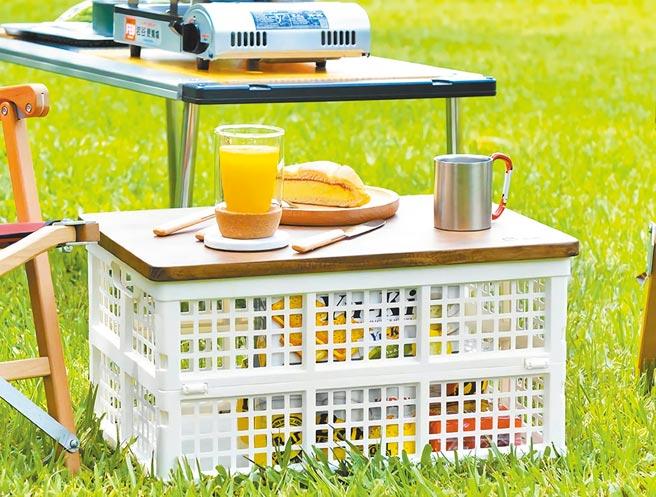 Yahoo奇摩超級商城的+O家窩 杉崎野餐露營實木摺疊收納桌,原價3500元,特價1658元。(Yahoo奇摩超級商城提供)