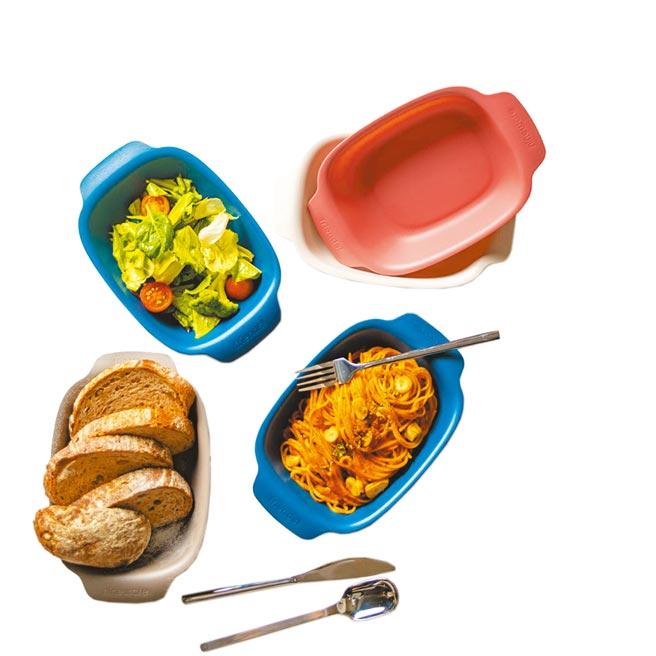 蝦皮購物的好友義麵碗兩件組(長形)共2款野餐碗,原價580元,優惠價449元。(蝦皮購物提供)