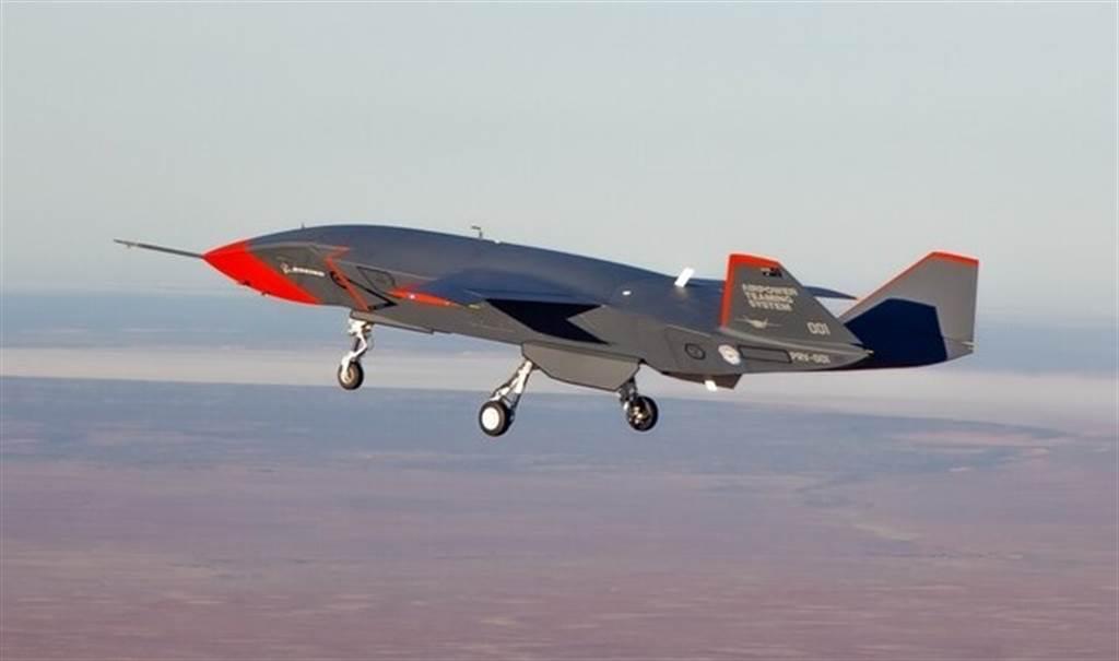 波音澳洲「忠誠僚機」(Loyal Wingman)無人戰機2月27日已成功首飛。(澳洲皇家空軍)