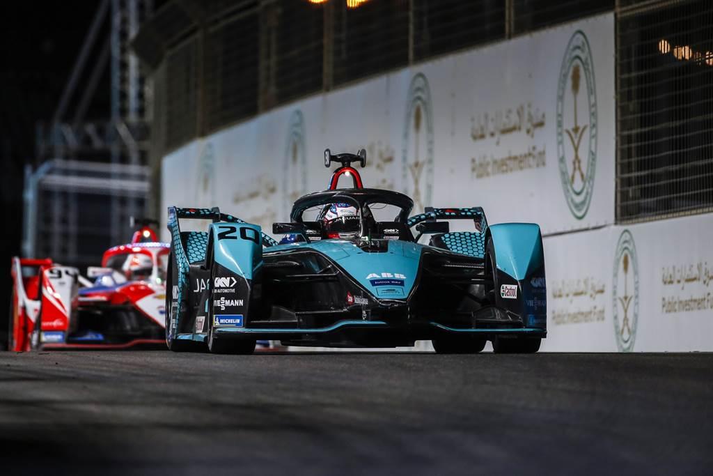 首站以第三名成績完賽的紐西蘭籍車手Mitch Evans,本站雖因意外碰撞而退賽,前兩站的好表現也讓車隊積分居於榜首。