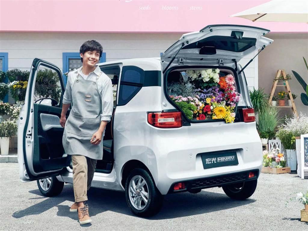 Model 3 讓出全球一月電動車銷售冠軍,取而代之的是中國五菱宏光 Mini EV