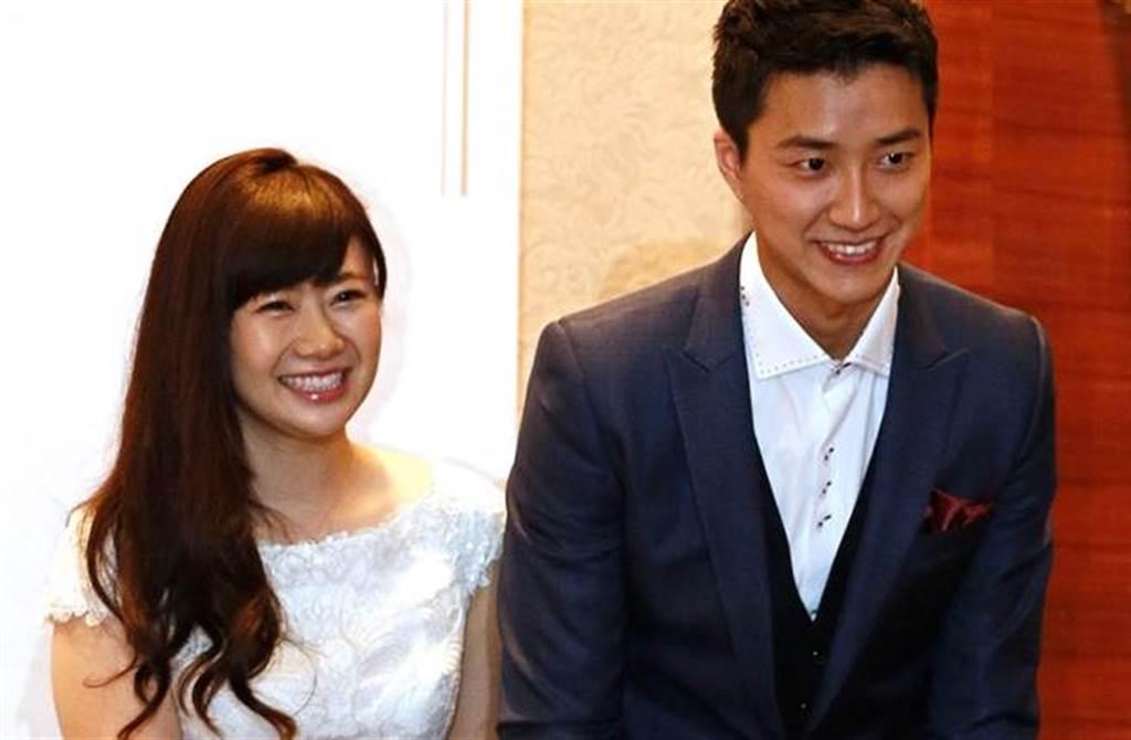 福原愛2016年開心與江宏傑在台灣召開結婚記者會。(本報系資料照)