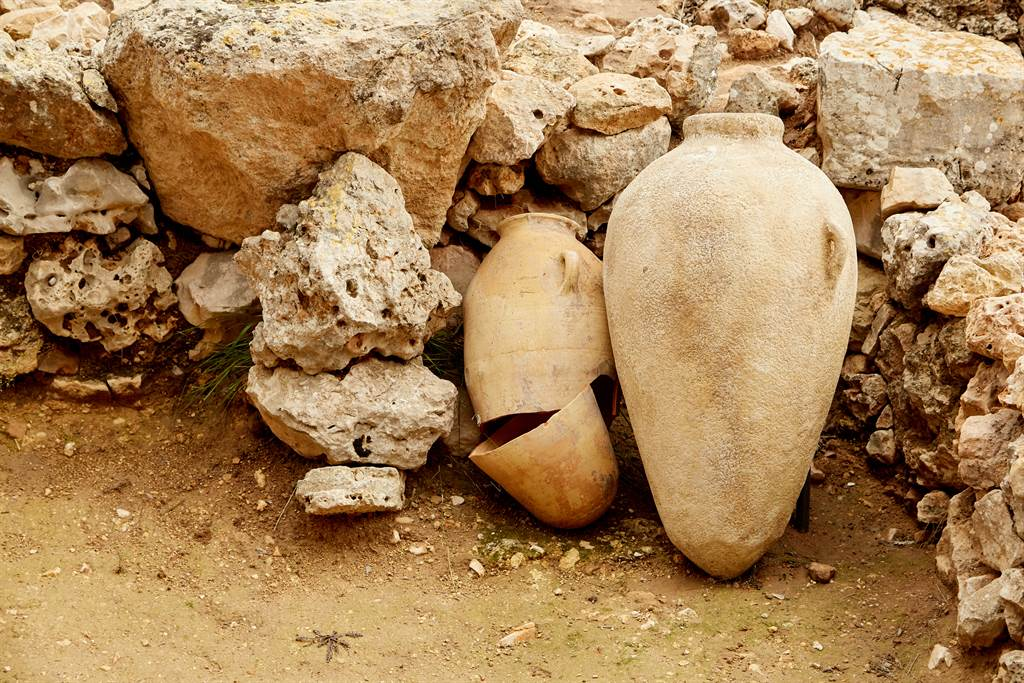 大陸廣東河源的萬綠湖因久未下雨而乾涸,竟意外讓來自新石器時代的古文物重見天日。(示意圖/達志影像)